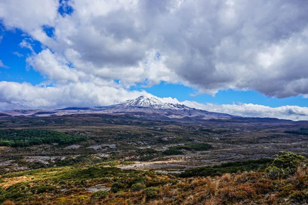 """Vulkanisches Gebiet rund um """"Mt Doom"""""""
